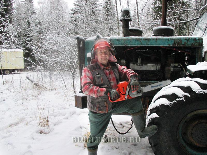 Сергей-Коноплев-и-трактор-т-150 фото